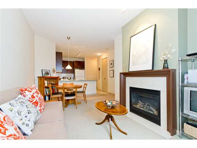 Photo 2: 408 7388 Sandborne Avenue in Burnaby: South Slope Condo for sale (Burnaby South)  : MLS® # V934964
