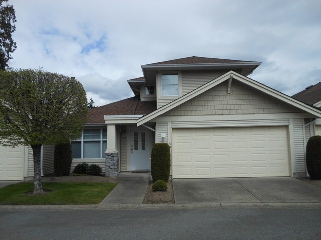 "Main Photo: 49 20751 87 Avenue in Langley: Walnut Grove Townhouse for sale in ""Summerfield"" : MLS® # F1409432"