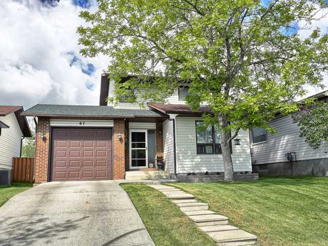 Main Photo: 67 WOODGLEN Road SW in CALGARY: Woodbine Residential Detached Single Family for sale (Calgary)  : MLS(r) # C3620185