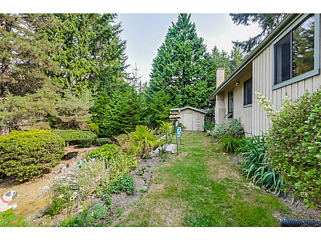 Photo 18: 6779 CARNCROSS Crescent in Delta: Sunshine Hills Woods House for sale (N. Delta)  : MLS(r) # F1446998