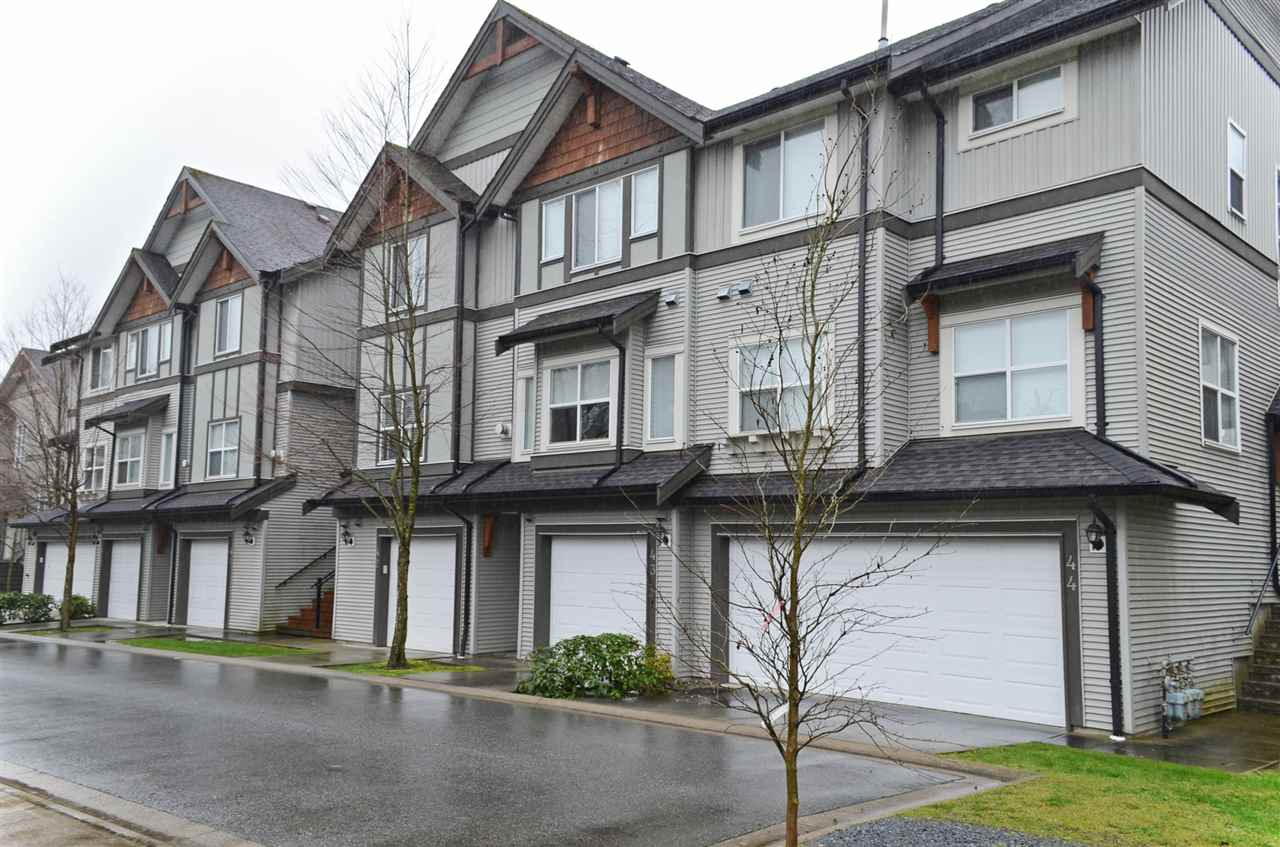 "Main Photo: 42 1055 RIVERWOOD Gate in Port Coquitlam: Riverwood Townhouse for sale in ""MOUNTAIN VIEW ESTATES"" : MLS(r) # R2034947"