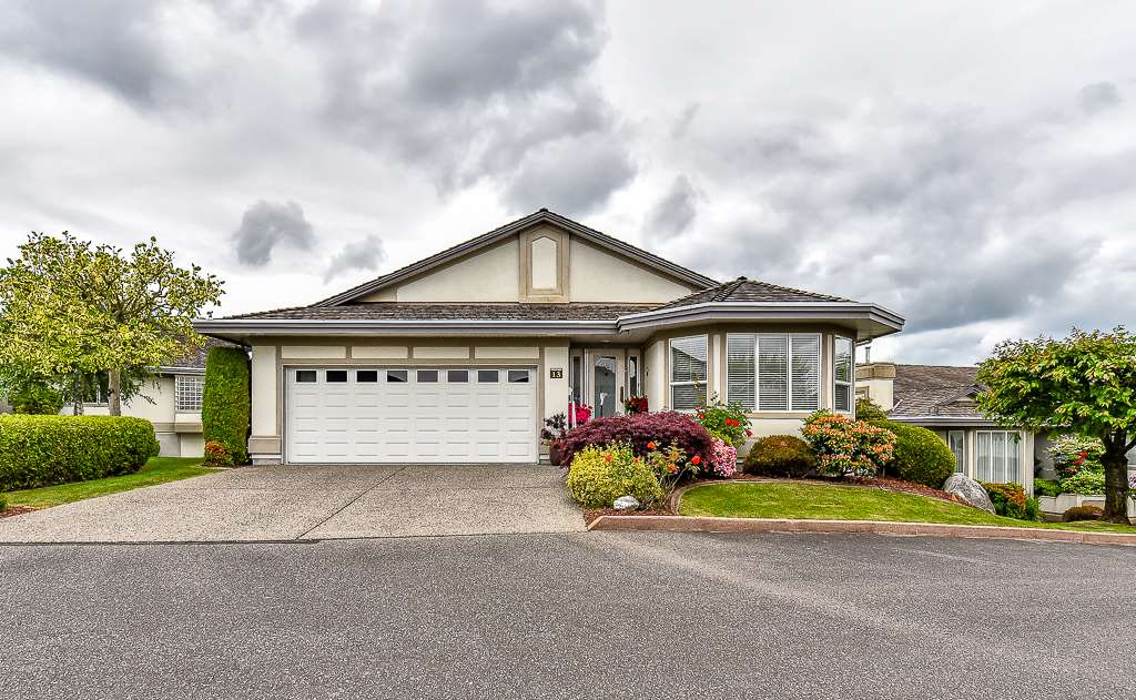 "Main Photo: 13 31445 RIDGEVIEW Drive in Abbotsford: Abbotsford West Townhouse for sale in ""Panorama Ridge"" : MLS® # R2073357"