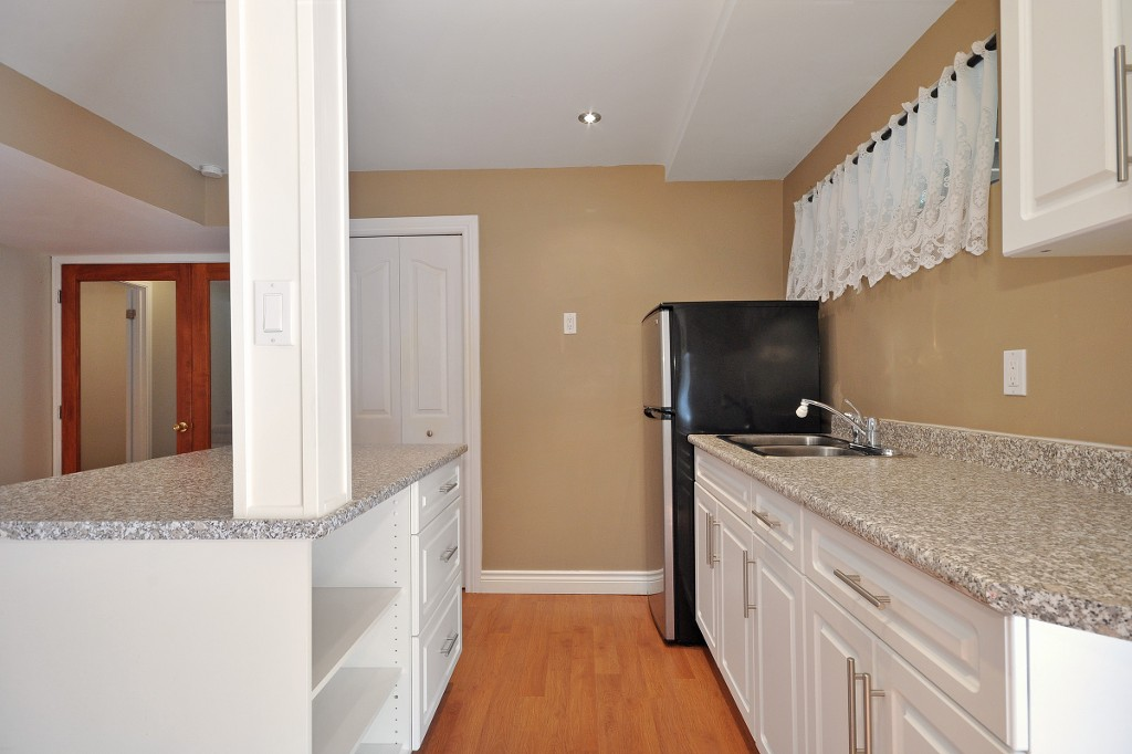 Photo 17: 3222 COMOX Court in Abbotsford: Central Abbotsford House for sale : MLS® # R2114867