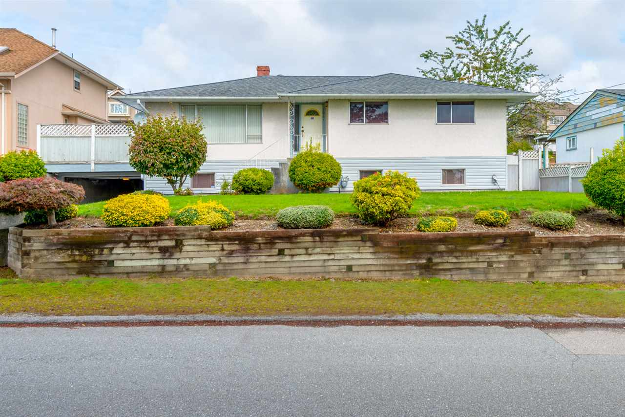 Main Photo: 1061 STEWART Avenue in Coquitlam: Maillardville House for sale : MLS® # R2131056