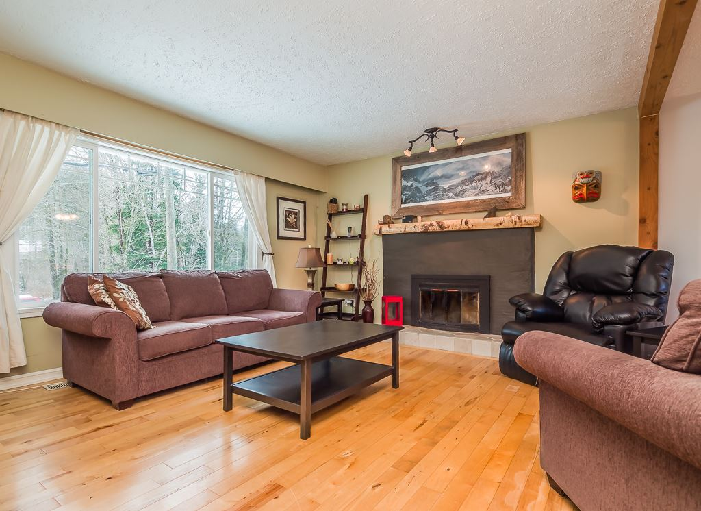 Photo 4: 41884 RAYBURN Road in Squamish: Brackendale House for sale : MLS® # R2135341