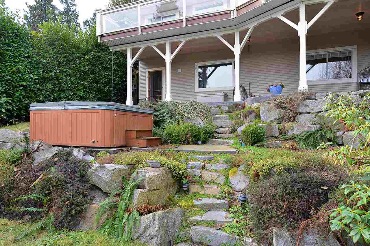 "Photo 19: Photos: 629 GOWER POINT Road in Gibsons: Gibsons & Area House for sale in ""Lower Gibsons"" (Sunshine Coast)  : MLS® # R2135750"