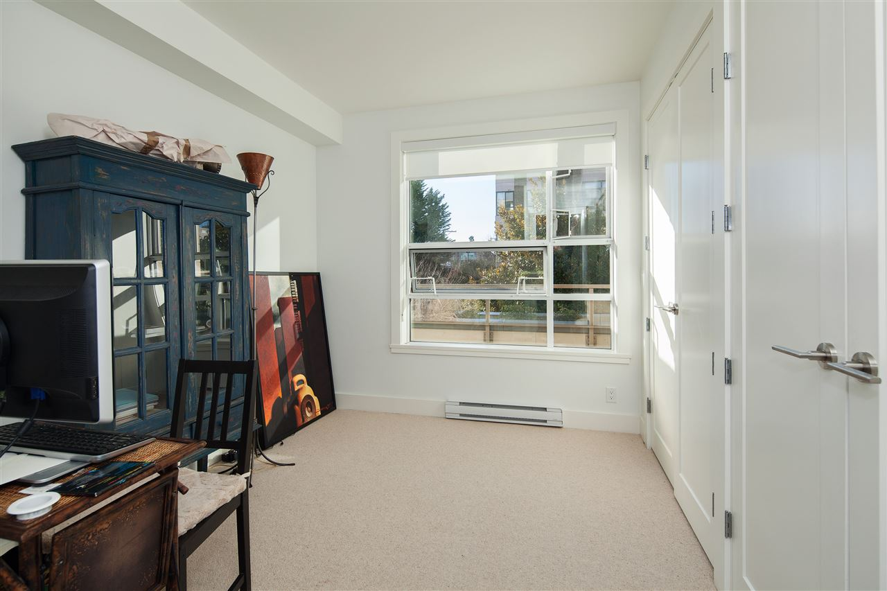 "Photo 14: 203 2128 W 40TH Avenue in Vancouver: Kerrisdale Condo for sale in ""KERRISDALE GARDENS"" (Vancouver West)  : MLS(r) # R2136283"