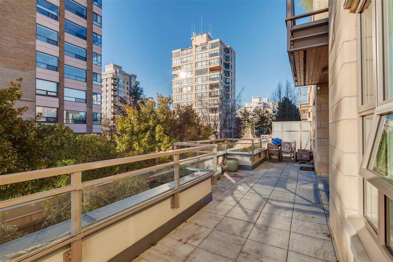 "Photo 17: 203 2128 W 40TH Avenue in Vancouver: Kerrisdale Condo for sale in ""KERRISDALE GARDENS"" (Vancouver West)  : MLS(r) # R2136283"