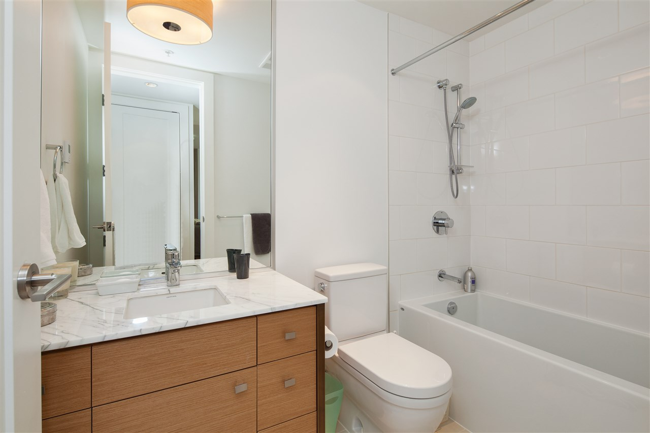 "Photo 13: 203 2128 W 40TH Avenue in Vancouver: Kerrisdale Condo for sale in ""KERRISDALE GARDENS"" (Vancouver West)  : MLS(r) # R2136283"