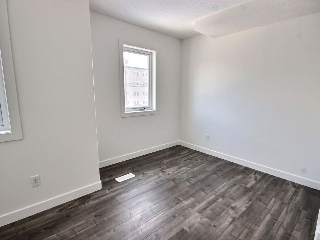 Photo 9:  in Edmonton: Zone 08 House Duplex for sale : MLS(r) # E4050183