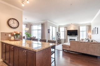"Main Photo: 314 2336 WHYTE Avenue in Port Coquitlam: Central Pt Coquitlam Condo for sale in ""CENTREPOINTE"" : MLS® # R2142194"