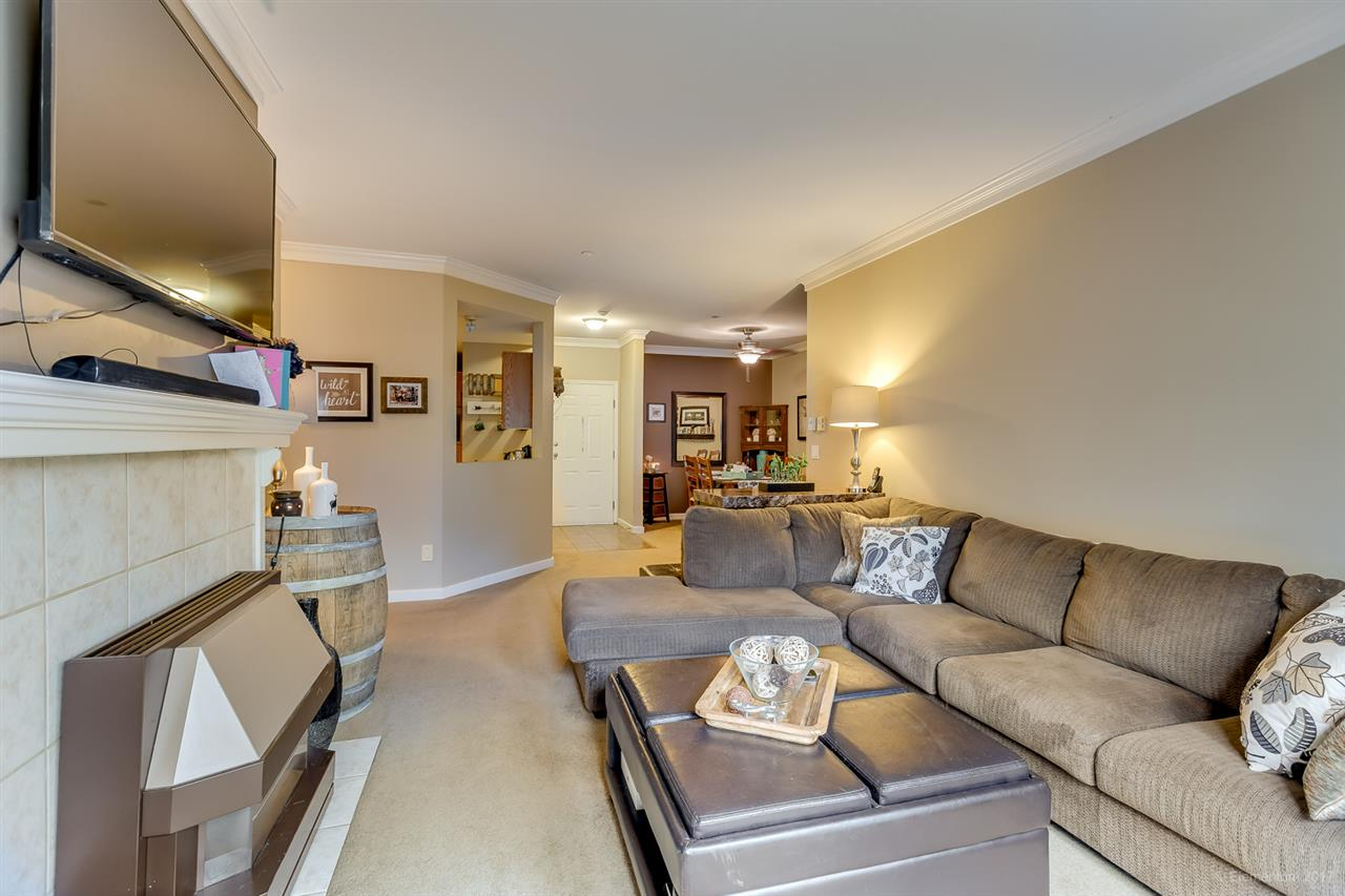 "Photo 4: 207 12464 191B Street in Pitt Meadows: Mid Meadows Condo for sale in ""LASEUR MANOR"" : MLS(r) # R2159246"