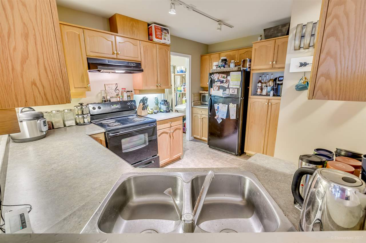 "Photo 8: 207 12464 191B Street in Pitt Meadows: Mid Meadows Condo for sale in ""LASEUR MANOR"" : MLS(r) # R2159246"