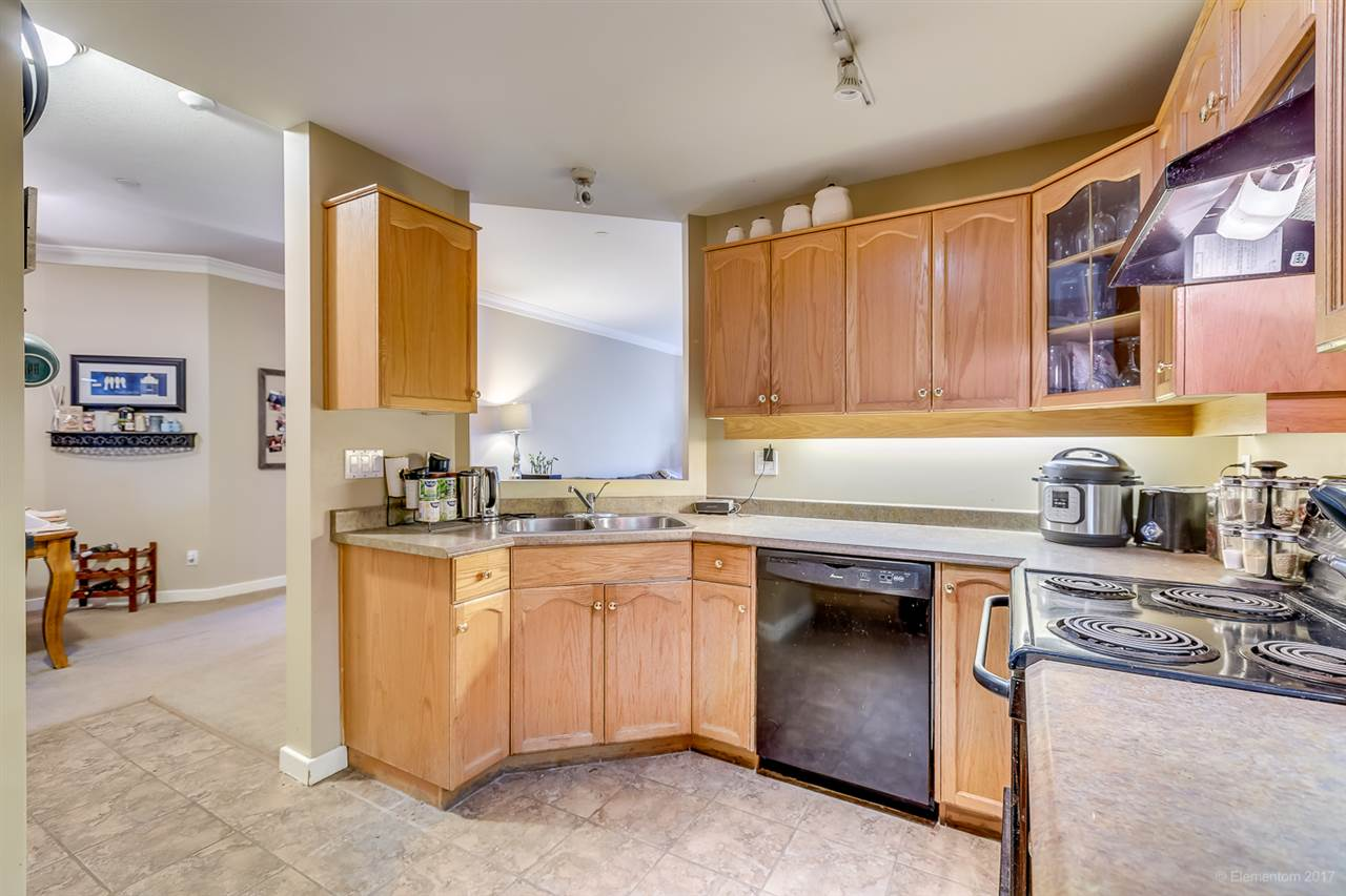 "Photo 9: 207 12464 191B Street in Pitt Meadows: Mid Meadows Condo for sale in ""LASEUR MANOR"" : MLS(r) # R2159246"