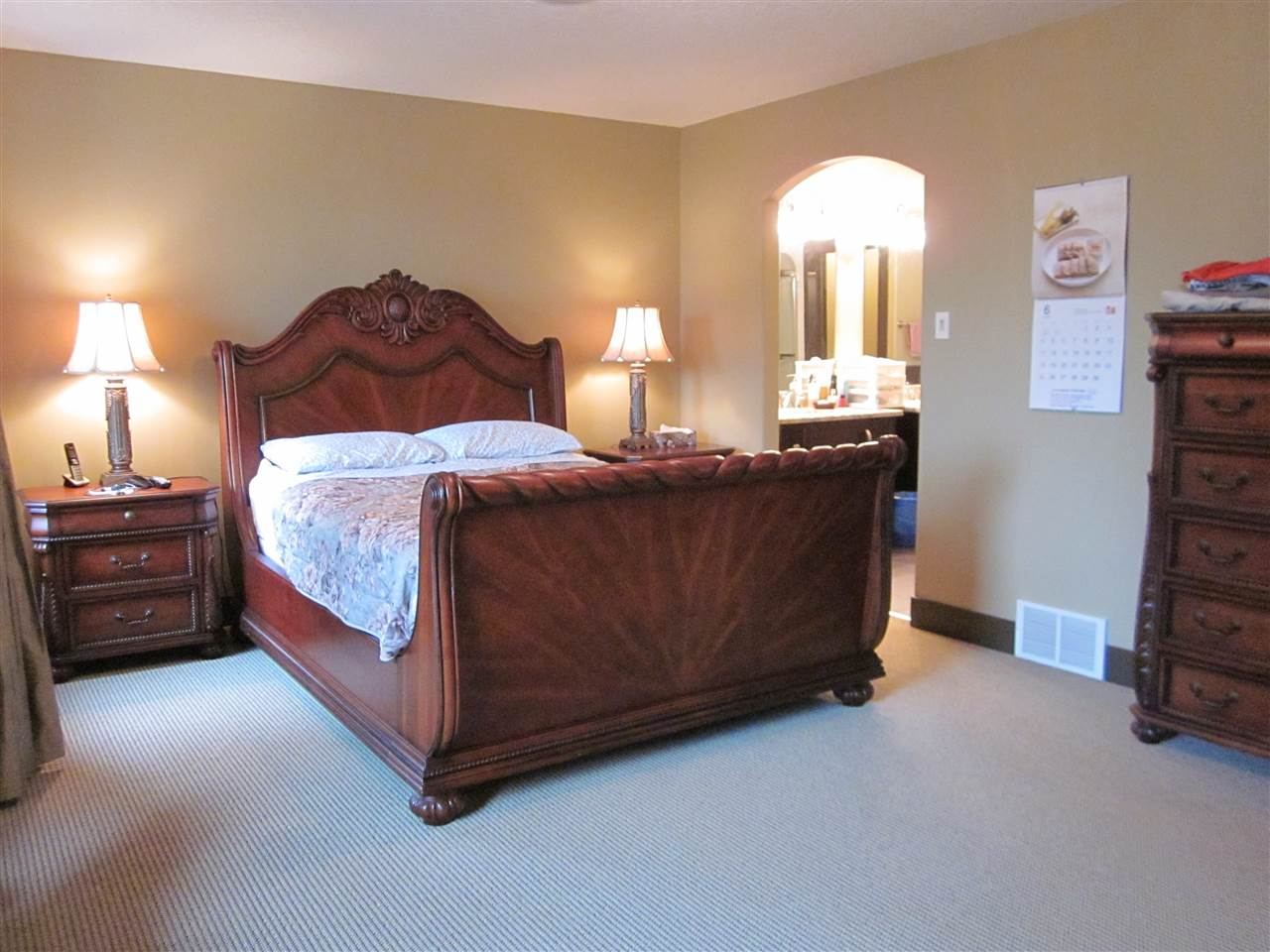 Large master bedroom has 5 pcs. ensuite and walk-in closet.