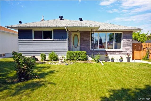 Main Photo: 5 PEARCE Avenue in Winnipeg: Garden City Residential for sale (4G)  : MLS®# 1717639