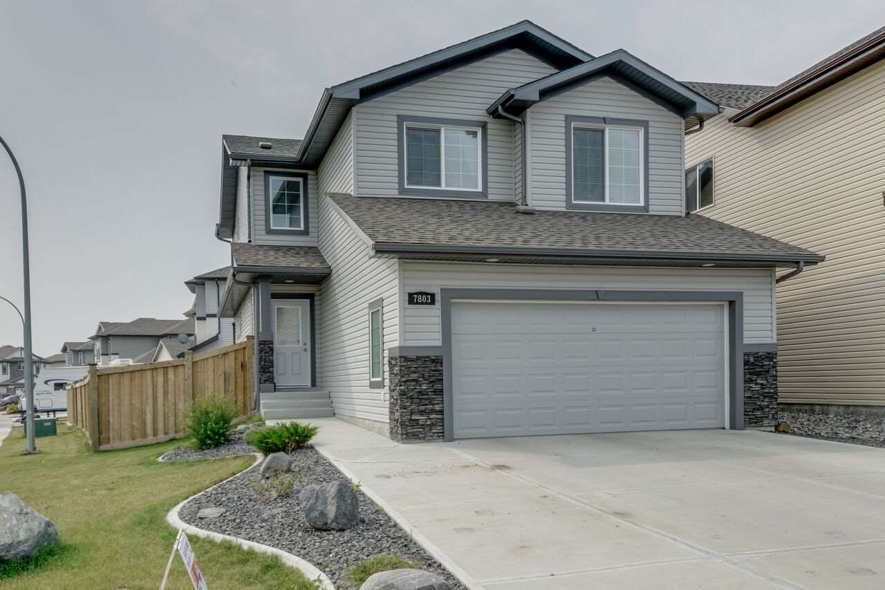 Main Photo: 7803 173 Avenue NW in Edmonton: Zone 28 House for sale : MLS® # E4074589