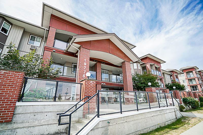 Main Photo: 314 19774 56 AVENUE in Langley: Langley City Condo for sale : MLS®# R2186722