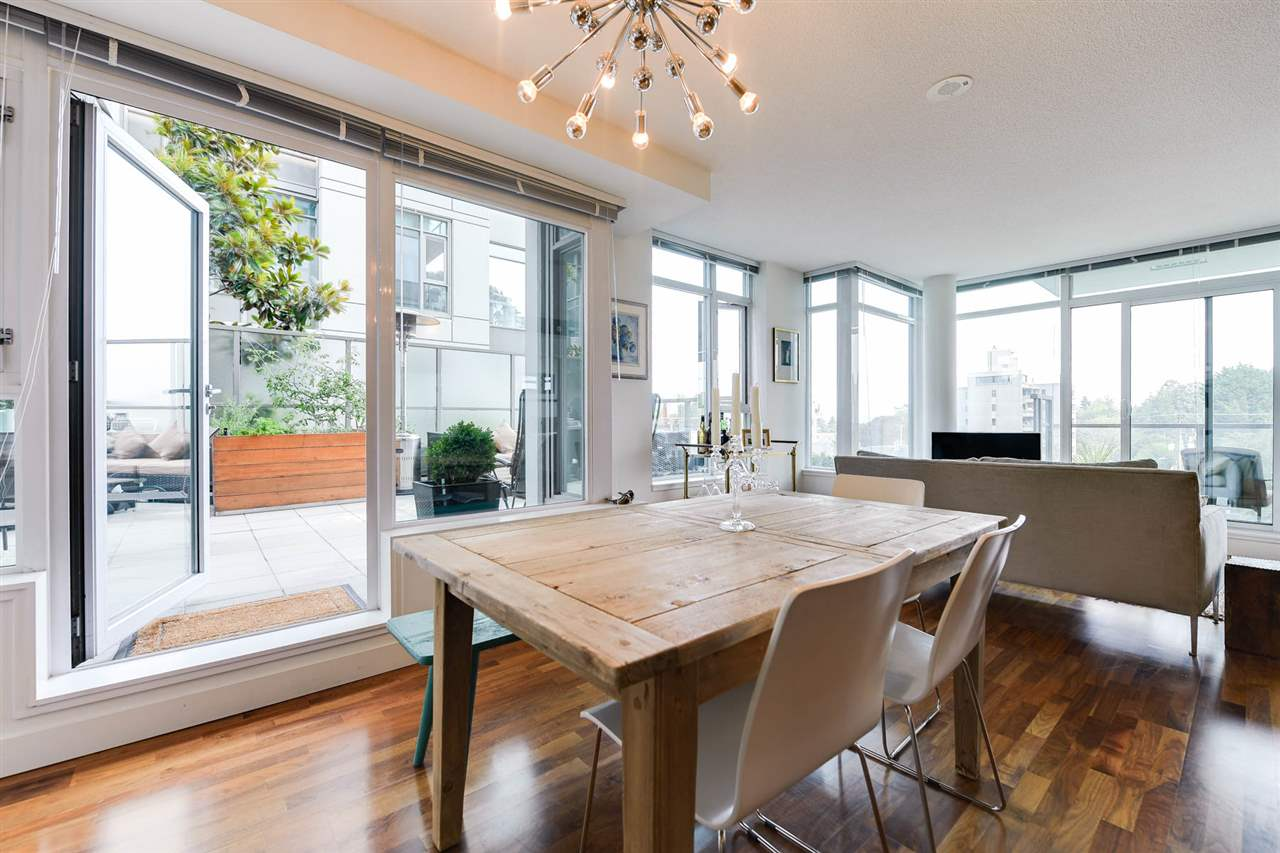"Main Photo: 511 251 E 7TH Avenue in Vancouver: Mount Pleasant VE Condo for sale in ""DISTRICT"" (Vancouver East)  : MLS® # R2195601"
