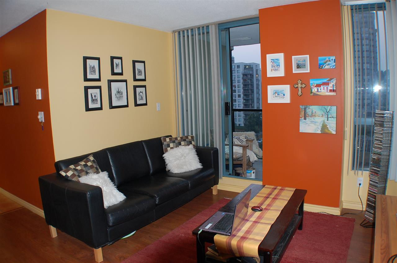 "Photo 11: 801 55 TENTH Street in New Westminster: Downtown NW Condo for sale in ""WESTMINSTER TOWERS"" : MLS® # R2195970"