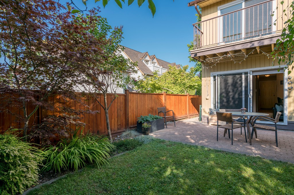 "Photo 23: Photos: 3348 FINDLAY Street in Vancouver: Victoria VE Townhouse for sale in ""FINDLAY BY TROUT LAKE"" (Vancouver East)  : MLS®# R2201672"