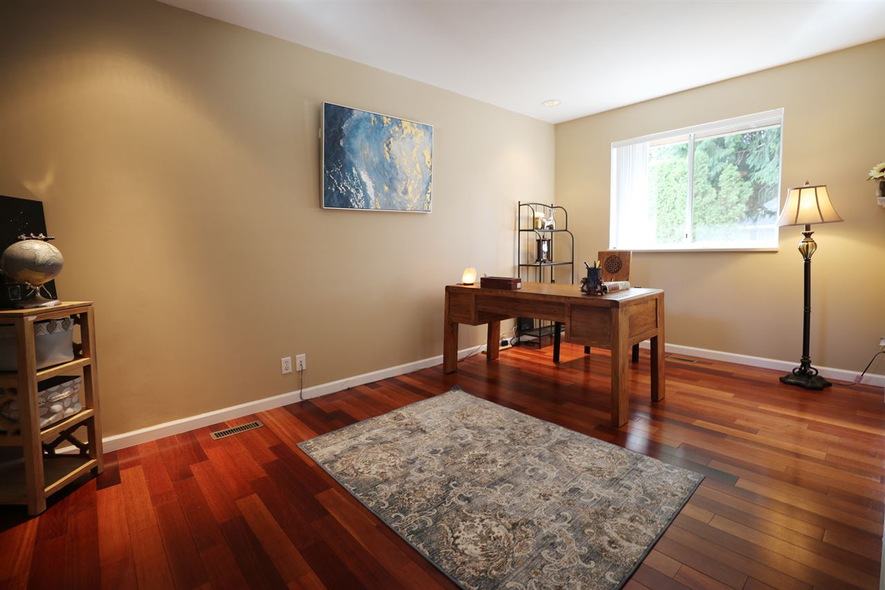 Photo 11: 1651 138B Street in Surrey: Sunnyside Park Surrey House for sale (South Surrey White Rock)  : MLS® # R2204897