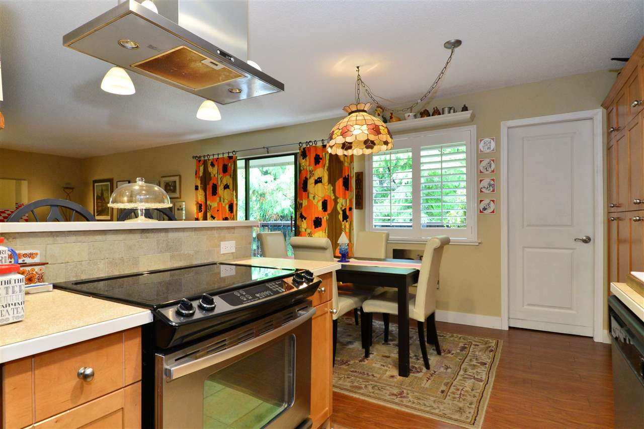 "Photo 19: Photos: 301 1355 FIR Street: White Rock Condo for sale in ""The Pauline"" (South Surrey White Rock)  : MLS® # R2215647"