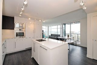 "Main Photo: 1004 188 AGNES Street in New Westminster: Downtown NW Condo for sale in ""THE ELLIOT"" : MLS® # R2216562"