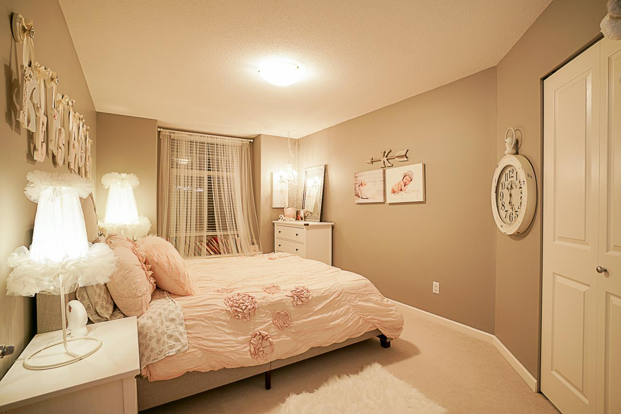 "Photo 13: Photos: 15594 113 Avenue in Surrey: Fraser Heights House for sale in ""The Vistas"" (North Surrey)  : MLS® # R2225856"