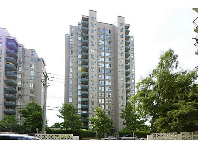 "Main Photo: 801 420 CARNARVON Street in New Westminster: Downtown NW Condo for sale in ""Carnarvon Place"" : MLS® # R2227255"