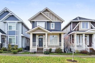 "Main Photo: 5933 148 Street in Surrey: Sullivan Station House for sale in ""Panorama Heights"" : MLS®# R2232088"