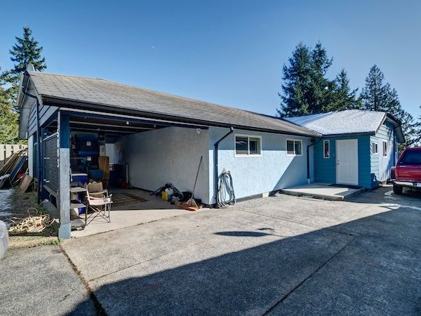 Photo 2: Photos: 5803 ANCHOR Road in Sechelt: Sechelt District House for sale (Sunshine Coast)  : MLS®# R2242489