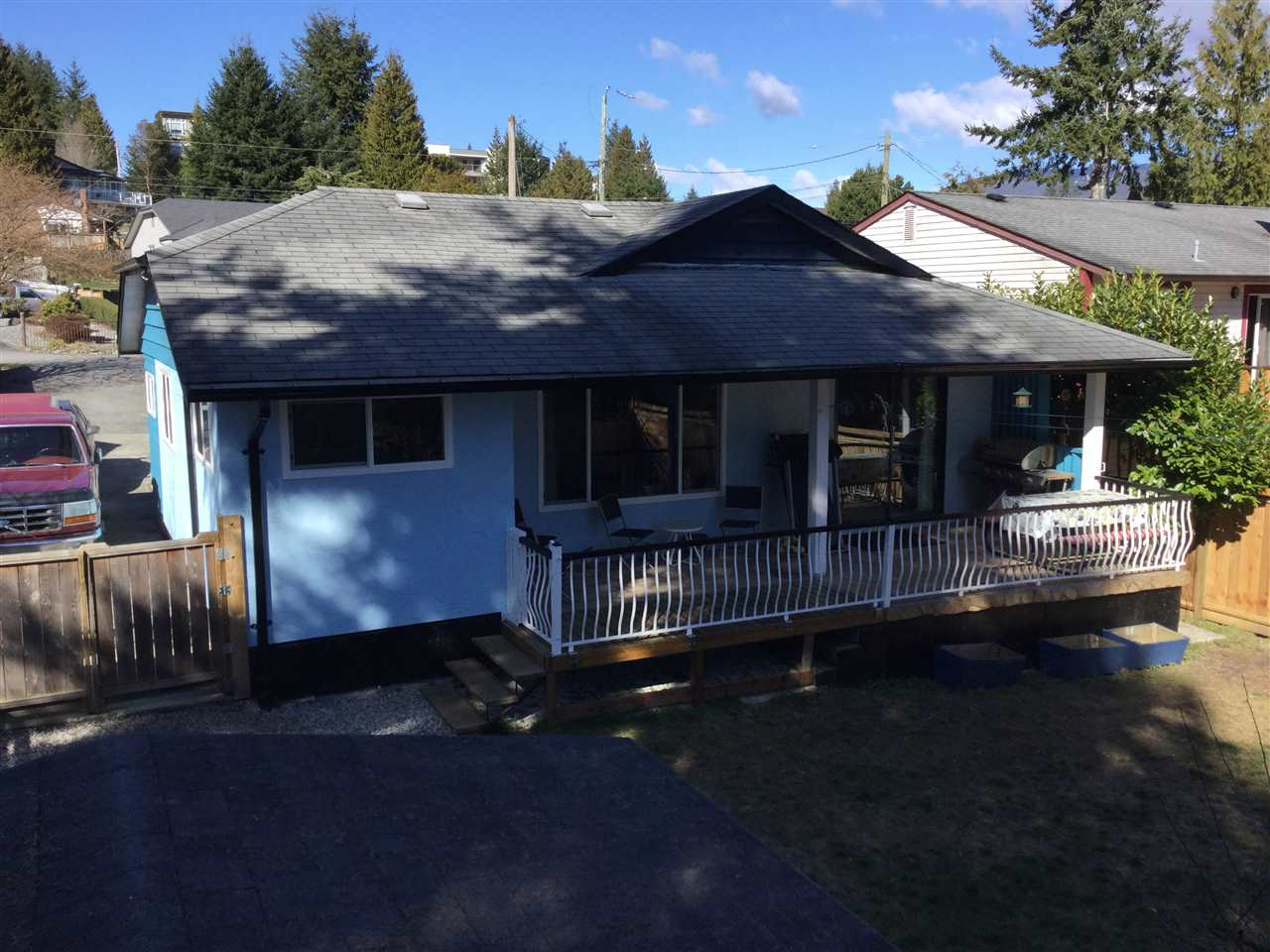 Main Photo: 5803 ANCHOR Road in Sechelt: Sechelt District House for sale (Sunshine Coast)  : MLS®# R2242489