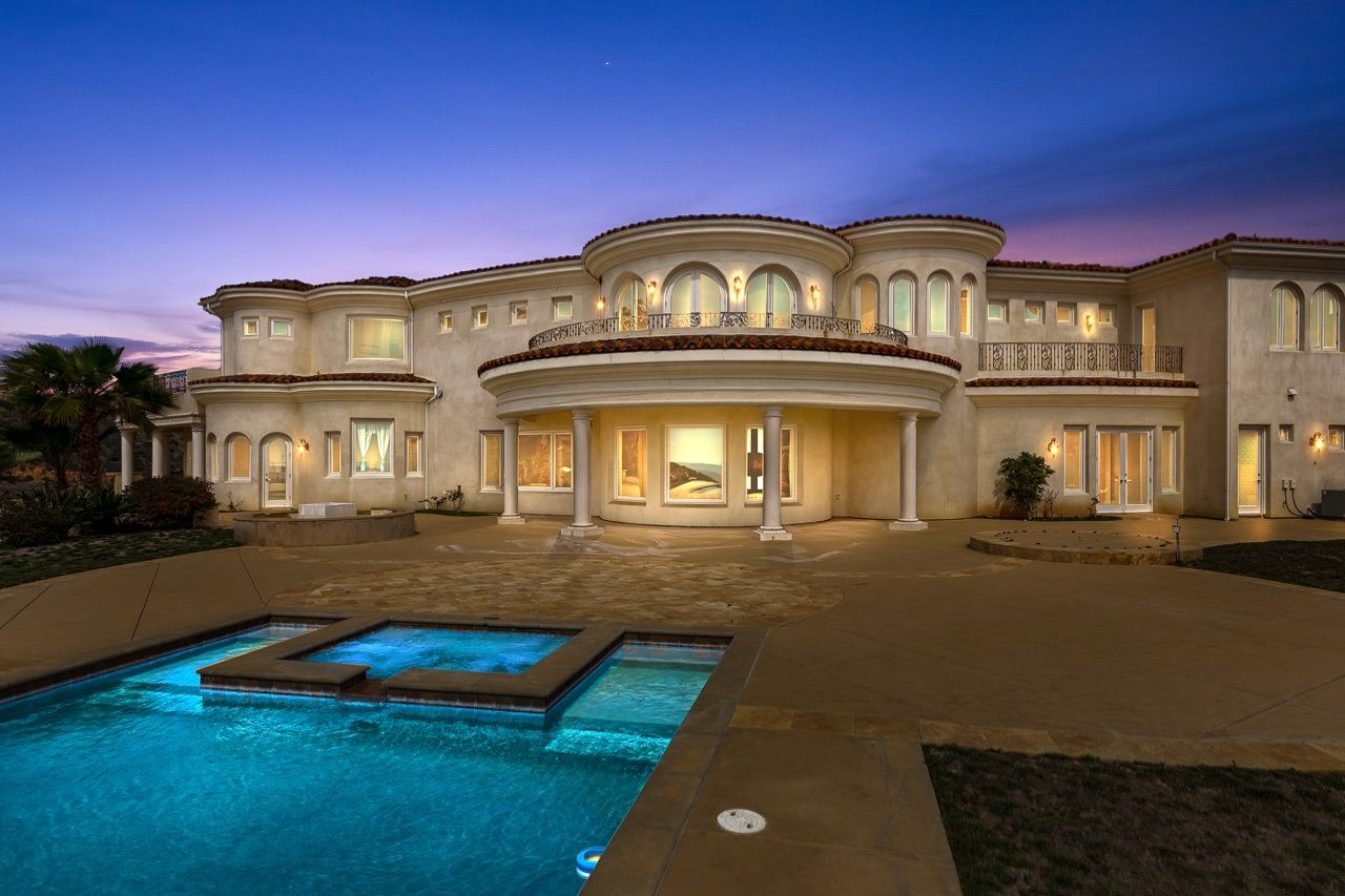 Main Photo: RANCHO SANTA FE House for sale : 5 bedrooms : 8025 La Milla