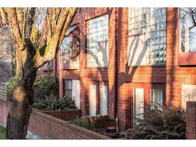 Main Photo: 4 2485 CORNWALL Avenue in Vancouver: Kitsilano Townhouse for sale (Vancouver West)  : MLS®# R2259349