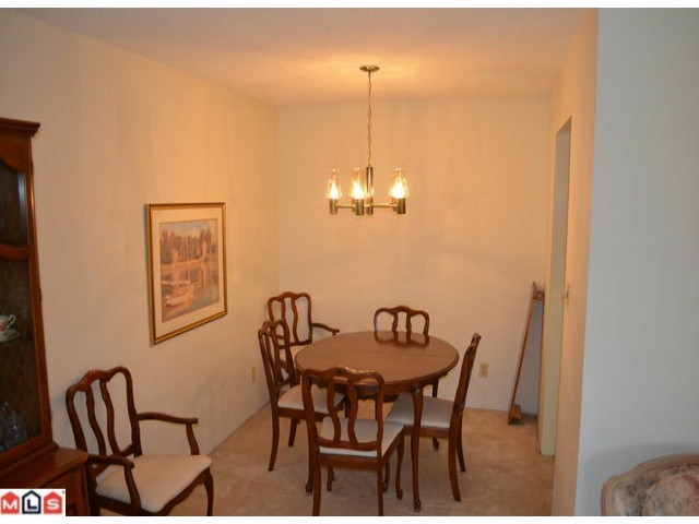 "Photo 4: 101 1460 MARTIN Street: White Rock Condo for sale in ""CAPISTRANO"" (South Surrey White Rock)  : MLS® # F1205256"