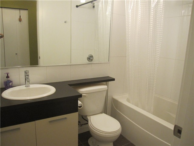 Photo 5: # 202 2478 WELCHER AV in Port Coquitlam: Central Pt Coquitlam Condo for sale : MLS® # V1023209