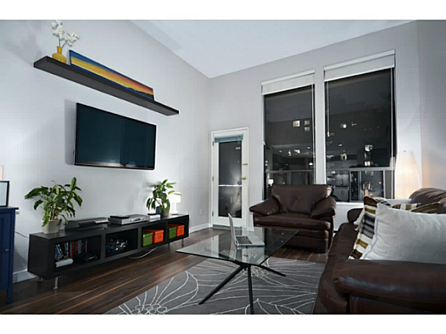 Main Photo: 307 1551 W 11th Street in Vancouver: Fairview VW Condo for sale (Vancouver West)  : MLS®# V1043192
