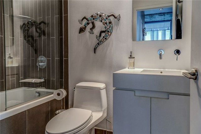 Photo 8: 25 Oxley St Unit #1205 in Toronto: Waterfront Communities C1 Condo for sale (Toronto C01)  : MLS(r) # C3574542