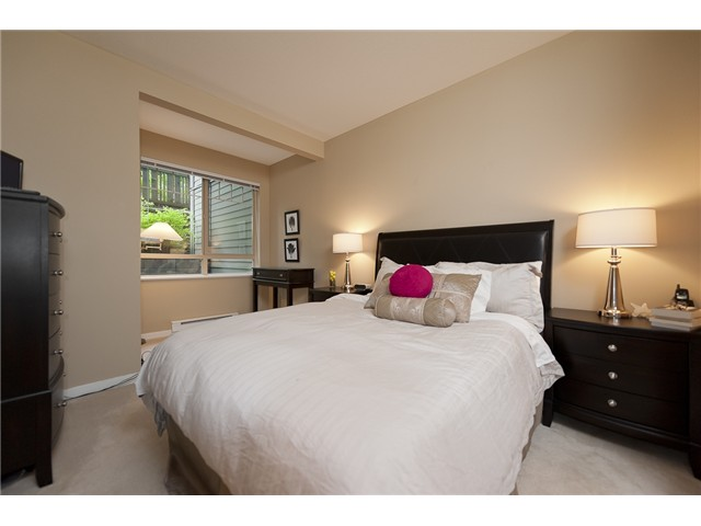 Photo 5: 108 2951 SILVER SPRINGS Boulevard in Coquitlam: Westwood Plateau Condo for sale : MLS(r) # V945866