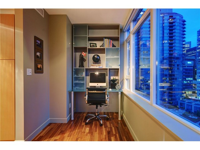 Photo 8: # 1304 1281 W CORDOVA ST in Vancouver: Coal Harbour Condo for sale (Vancouver West)  : MLS(r) # V1064989