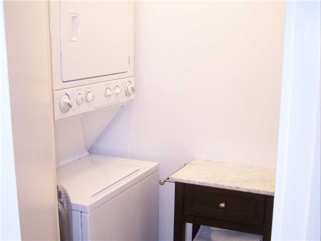 Photo 3: 33 Lombard St Unit #3802 in Toronto: Church-Yonge Corridor Condo for sale (Toronto C08)  : MLS(r) # C3395677