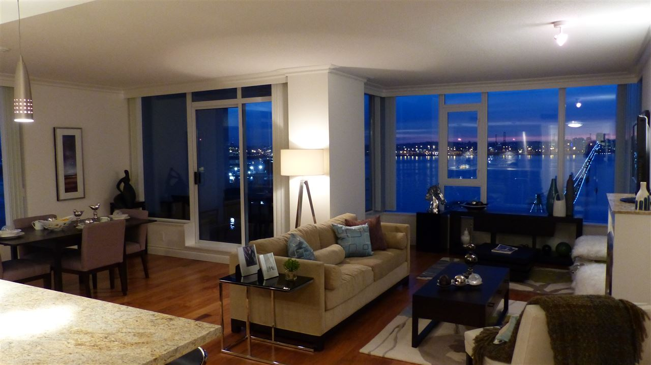 Photo 3: 1107 133 E ESPLANADE in North Vancouver: Lower Lonsdale Condo for sale : MLS(r) # R2058927