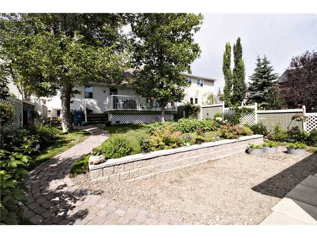 Photo 20: 4312 PASSCHENDAELE Road SW in CALGARY: Garrison Woods Residential Detached Single Family for sale (Calgary)  : MLS® # C3533158
