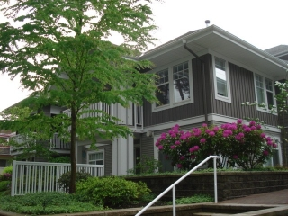 "Main Photo: 204 1704 56TH Street in Tsawwassen: Beach Grove Condo for sale in ""HERON COVE"" : MLS® # V1025537"