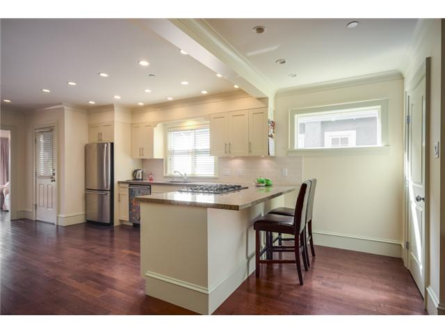 Photo 5: 2686 W 5TH AV in Vancouver: Kitsilano Condo for sale (Vancouver West)  : MLS(r) # V1057595