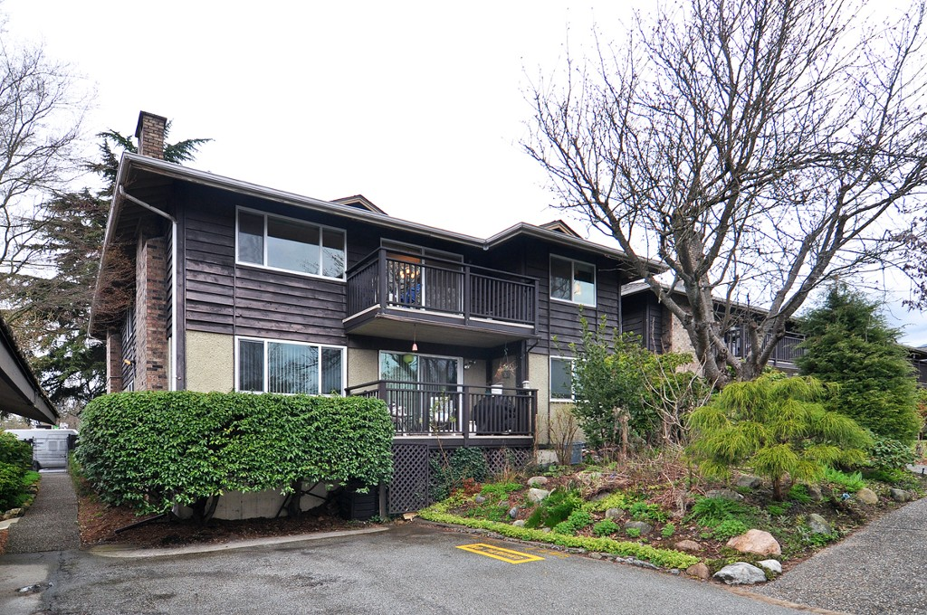 Main Photo: 702 555 W 28th Street: Condo for sale : MLS(r) # V56528