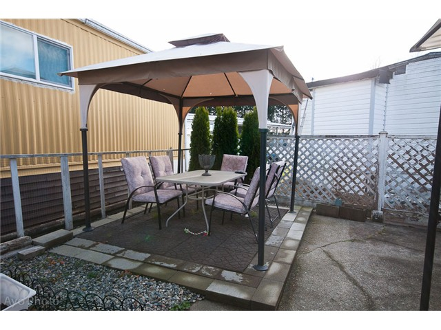Photo 2: # 98 201 E CAYER ST in Coquitlam: Maillardville House for sale : MLS® # V1037915