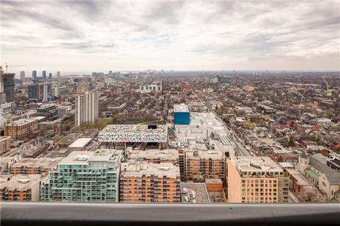 Photo 5: 426 University Ave Unit #4002 in Toronto: University Condo for sale (Toronto C01)  : MLS(r) # C3186035