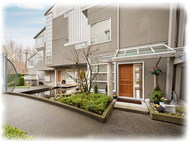 Main Photo: # 2 2138 E KENT AV in Vancouver: Fraserview VE Condo for sale (Vancouver East)  : MLS® # V1102812